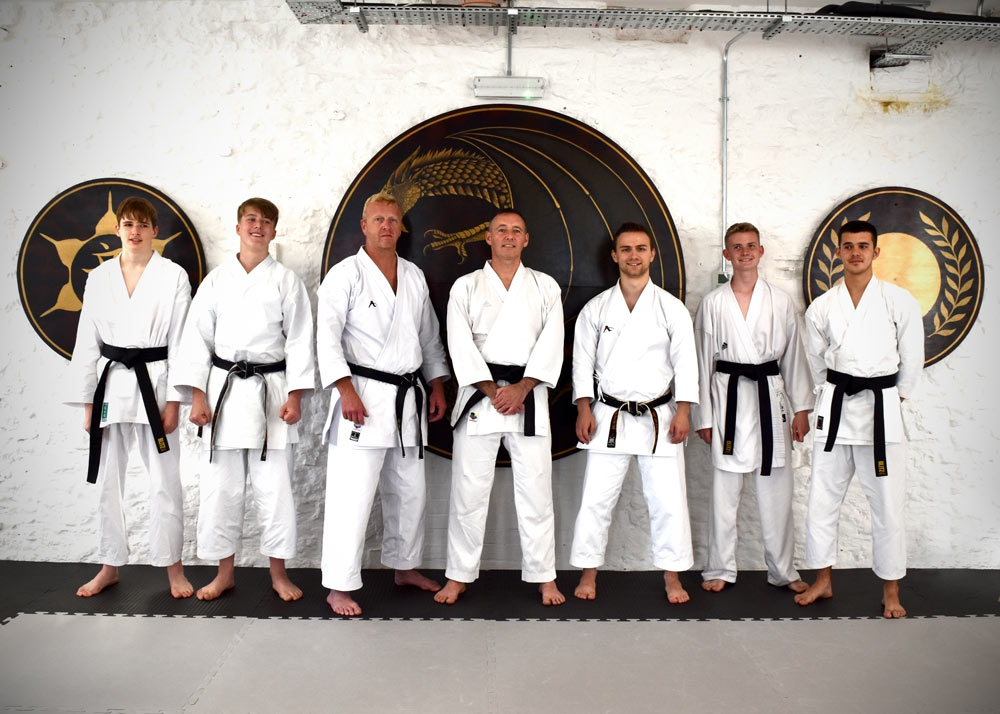MAGNIFICENT SEVEN AT RECORD BREAKING GRADING